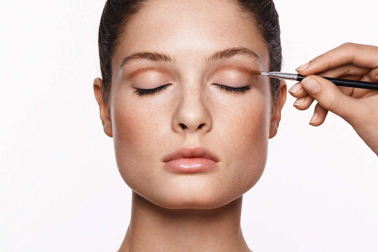 Как сделать правильный макияж на круглое лицо